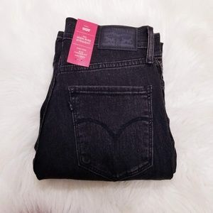 NWT Levi's 724 High Rise Straight Leg Black Jeans